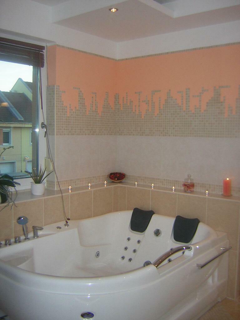 Lakberendezők bemutatják… Cédulás Erika: Játékos mozaik burkolatú fürdőszoba - Fürdőszoba Titkok