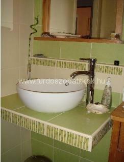 Egy pompás panel fürdőszoba Paradyz Bamboo-ból és a Szerencse ...