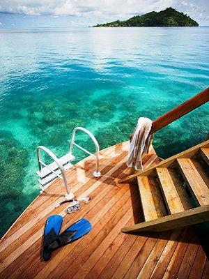 Likuliku_-_access_off_overwater_deck