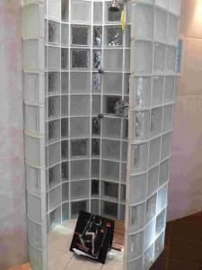 fürdőszoba ötletek üvegtégla zuhanyzó 2